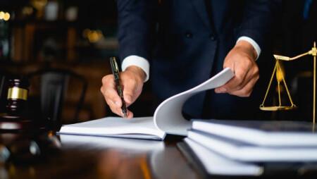 Δικηγόροι: Επιδότηση έως 2.000 ευρώ μέσω ΕΣΠΑ